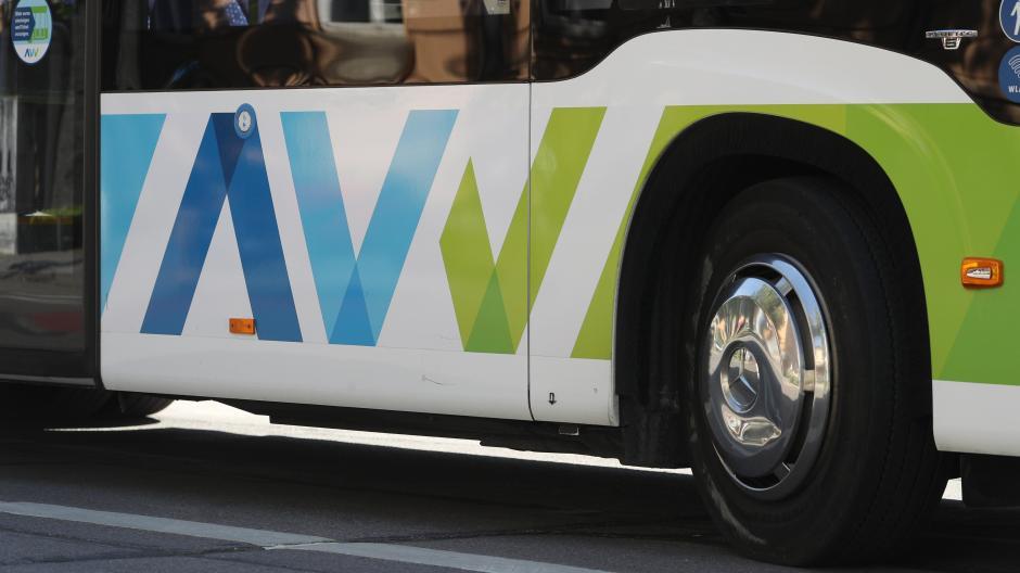 Im AVV gibt es coronabedingt deutliche Rückgänge bei Fahrgästen und Einnahmen.