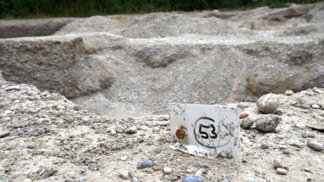 Bei Ausgrabungen in Nordendorf entdeckten Archäologen ein voll ausgestattetes Grab eines Reiterkriegers aus dem frühen Mittelalter. Für die Wissenschaft ist dieser Fund ein absoluter Glücksfall.