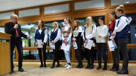 Unter den geehrten Sportlern waren auch die Tänzerinnen des TSV Diedorf. Sie konnten 2019 große Erfolge feiern.