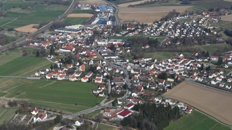 Wer das Rathaus in Gessertshausen nach dem Wahltag weiter führen wird, ist klar: Jürgen Mögele wurde erst 2016 zum Bürgermeister gewählt.