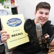 """René Thelke war Teilnehmer bei """"Deutschland sucht den Superstar"""". Der 17-jährige Realschüler aus Dinkelscherben überzeugte in der ersten Runde die Jury und durfte zum Recall – in ein Luxushotel."""