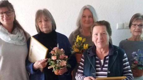 Ehrungen gab es bei den Gartlern in Nordendorf. Im Bild: (von links) Nicole Rott, Karin Gulden, Bärbel Anwald, Inge Schlegl und Liselotte Schmidt.