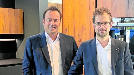 Peter Lechner (links) muss sich keine Sorgen um die Nachfolge machen. Sein Sohn Julian (rechts) hält bereits 50 Prozent der Unternehmensanteile.