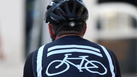"""Einmal im Monat treffen sich unter anderem in Nürnberg Fahrradfans zu einer Tour durch die Stadt, um sich als """"Critical Mass"""" für die Rechte der Radlerinnen und Radler einzusetzen."""