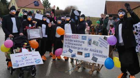 Klimawandel – ein ernstes Thema: Pinguine suchen eine neue Heimat.