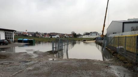 Immer wieder kommt es im Gewerbegebiet in Wollbach zu Hochwasser. Zuletzt im Februar. Ein unzumutbarer Zustand, meint Unternehmer Horst Höhe.