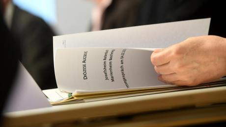 Eine Kommission untersucht die Zustände in den Kinderheimen Reitenbuch und Baschenegg.Dort sollen Kinder bis in die 1980er Hahre hinein teilweise systematisch gequält und missbraucht worden sein.