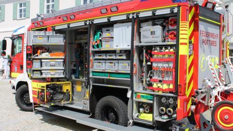 Viele Feuerwehren in der Region haben sich bei der Beschaffung eines neuen Einsatzwagens für den Typ HLF20 entschieden. Ein ähnlich ausgestattetes Fahrzeug wie das der Wehr im benachbarten Pöttmes soll bei der Feuerwehr Thierhaupten ein mehr als 30 Jahre altes Löschfahrzeug ersetzen.