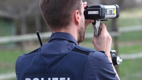 Eine Streife der Zusmarshauser Dienstelle hatte eine Laserkontrolle in der Hauptstraße durchgeführt.