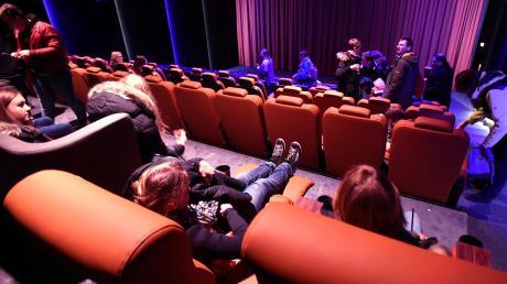 In den Kinos im Landkreis Augsburg, wie hier im Cineplex in Meitingen, werden aufgrund des Coronavirus Schutzmaßnahmen für die Besucher ergriffen. So wird die Kapazität der großen Säle begrenzt.