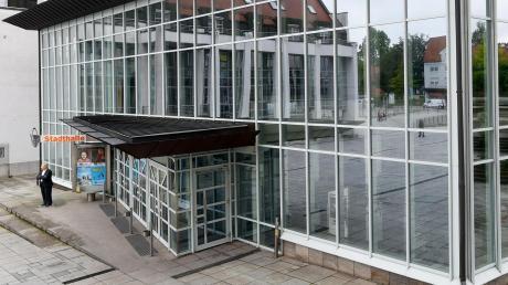 Die Sicherheitsvorkehrungen gegen eine weitere Ausbreitung des Coronavirus legen auch in Gersthofen weite Teile des öffentlichen Lebens lahm. So bleiben neben den Schulen und Kindergärten unter anderem auch die Stadthalle bis zum 19. April geschlossen.