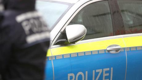 Die Polizei führt Kontrollen wegen der Ausgangsbeschränkung durch.