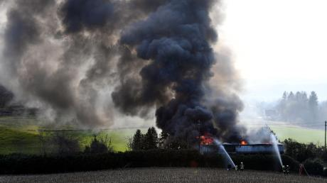 Völlig ausgebrannt ist das Haus einer 81-Jährigen in Vogelsang.