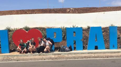 Vier junge Frauen aus Augsburg und dem Landkreis sind auf den Kapverden im Urlaub. Jetzt kommen sie nicht mehr zurück.