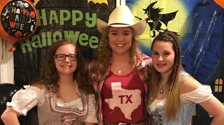 Sophie Krebs aus Zusmarshausen wollte ihr Highschooljahr in Texas gerne beenden. Doch nun musste sie doch zurück nach Deutschland.