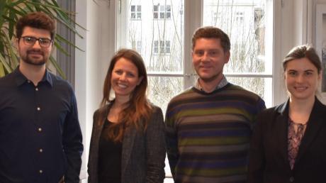 Die vier Klimaschutzmanager des Wirtschaftsraumes Augsburg: (von links) Sebastian Dold und Johanna Rügamer vom Landratsamt Augsburg sowie Andreas Repper und Corinna Herrmann von der Stadt Augsburg.