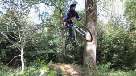 Große Sprünge wollen die Mountainbiker auch in den westlichen Wäldern machen. Eine Petition soll nun dafür sorgen, dass eigene Trailareale eingerichtet werden können.