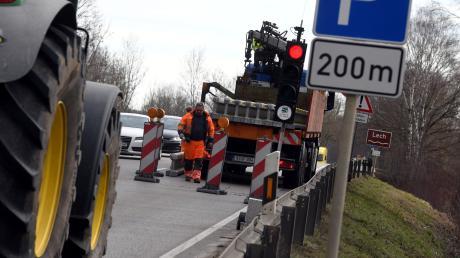 Mit erneuten Verkehrsbehinderungen müssen die Autofahrer auf dem Weg über die Lechbrücken zwischen Meitingen und Thierhaupten rechnen.