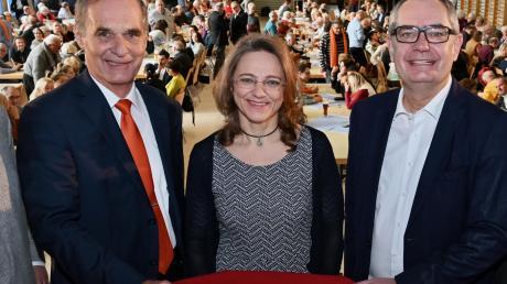 Damals traten sie bei einer Podiumsdiskussion noch gegeneinander an, nun sind sie Partner: Albert Kaps (Pro Gersthofen), Sigrid Steiner (WIR) und der parteilose Bürgermeister Michael Wörle.