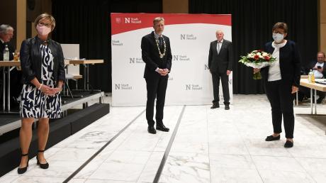 Ein Bild mit Sicherheitsabstand und Masken in Corona-Zeiten: (von links) Die ehemalige dritte Bürgermeisterin Monika Uhl (CSU), erster Bürgermeister Richard Greiner (CSU), zweiter Bürgermeister Wilhelm Kugelmann (CSU) und die neue dritte Bürgermeisterin Susanne Höhnle (SPD).