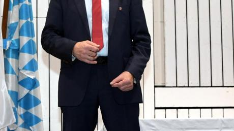 Wurden in Diedorf vereidigt (von links): Maria Prues (3. Bürgermeisterin), Bürgermeister Peter Högg und Thomas Rittel (2. Bürgermeister)