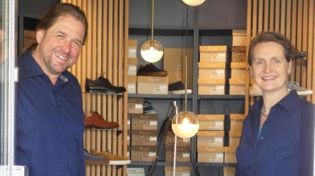 In der ehemaligen Apotheke in Westheim sind vor eineinhalb Jahren die beiden Orthopädieschuhmachermeister Alexandra Stuhler und Jörg Aumann eingezogen, die für gesunde wie kranke Menschen zu allen Gelegenheiten den passgenauen Schuh anbieten.