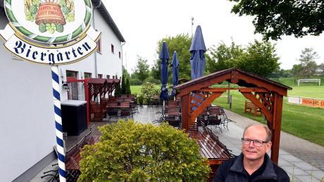 Tobias Glatt, Wirt der Zauberküche im Vereinsheim des TSV Herbertshofen, freut sich, dass er am Montag zunächst einmal seinen Biergarten und bald auch sein Lokal wieder öffnen darf. Aber er hat auch Bedenken.