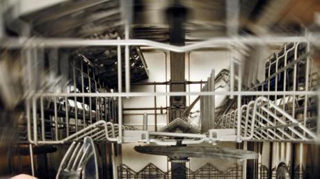 Ein untrügliches Zeichen, dass viele Kollegen im Homeoffice sind: Die Spülmaschine im Büro ist blitzenlank und ausgeräumt.