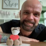 Benjamin Bütow, Deutschlands zweitbester Hobbybäcker, muss seinen Laden Ben's Cakery wegen Corona schließen.