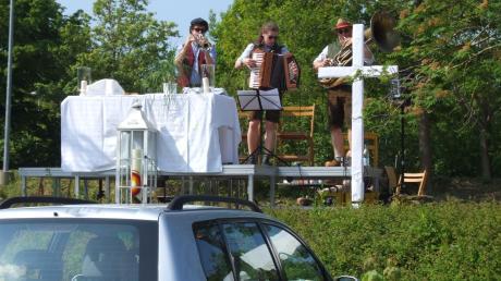 Der erste Drive-in-Gottesdienst in den Stauden stieß auf große Resonanz.