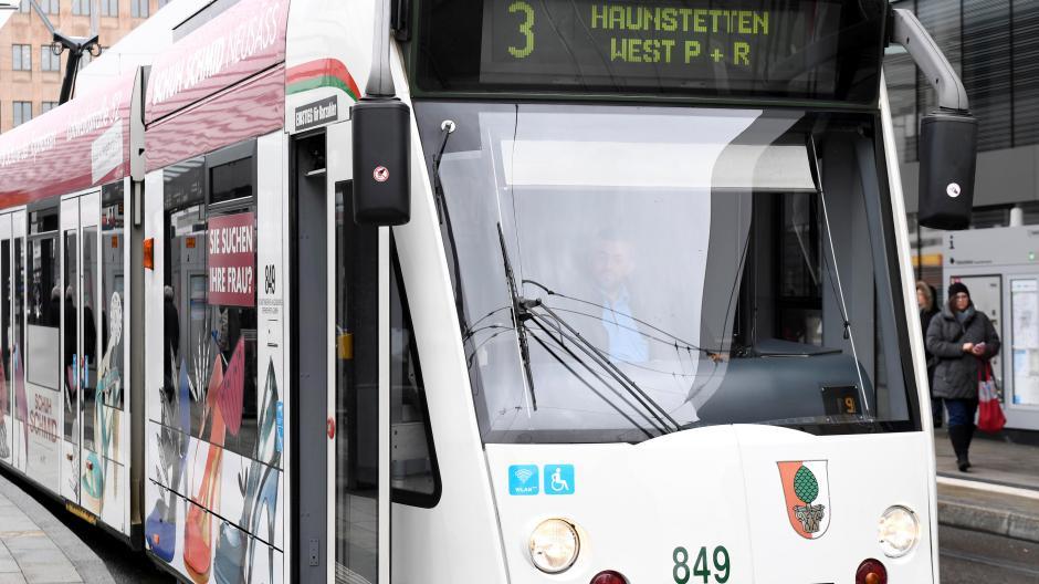 Vorläufig gibt es noch keine Rückkehr zum Vor-Corona-Fahrplan in Augsburg.