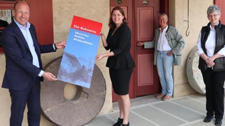 Freuen sich auf die Eröffnung der Sonderausstellung: (von links) Martin Sailer, Christina Eiden, Barbara Seidenschwann und Claudia Drachsler-Praßler.