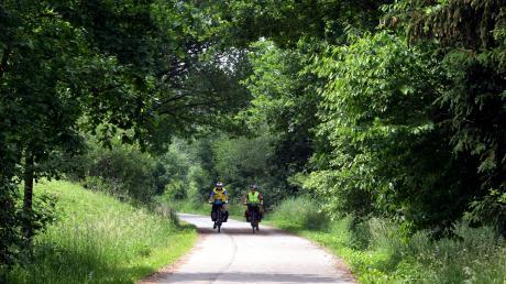Der Weldenbahnradweg ist eine alte Zugstrecke, auf der heute entspannt geradelt werden kann.