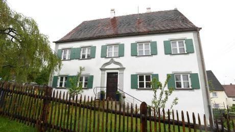 Mehr als 300 Jahre steht das ehemalige Pfarrhaus in Ustersbach, mindestens weitere 300 Jahre sollen folgen.
