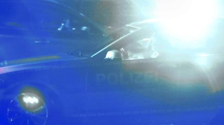 Bei Oberottmarshausen überschlug sich das Auto einer 20-Jährigen. Sie zog sich nur leichte Verletzungen zu.