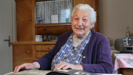 Marie Drachsler wurde 1924 im Egerland geboren und im Zweiten Weltkrieg vertrieben. Die heute 95-Jährige hofft, dass Corona bald Geschichte ist. Und sie appelliert an die jüngere Generation, zufriedener zu sein.