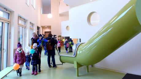 Erst vor zweieinhalb Jahren wurde die Kita in Zusmarshausen eröffnet. Doch selbst dort war man nach kurzer Zeit an der Kapazitätsgrenze angelangt.