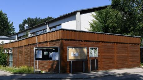 Der Anbau der Turnhalle in Anhausen wird bald abgerissen, schon im August soll es mit dem Neubau losgehen.