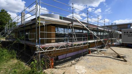 Der Anbau an die Mittelschule Gersthofen läuft trotz Corona-Sparhaushalt.