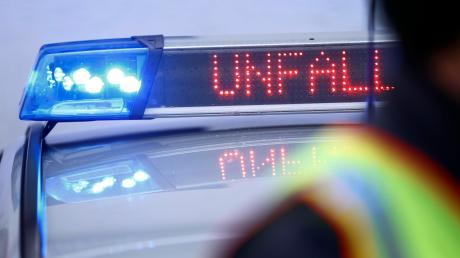 Zu einem Verkehrsunfall kam es am Montag in Meitingen. Zwei junge Männer wurden leicht verletzt.