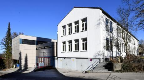 Die Grundschule in Westheim soll durch einen Neubau ersetzt werden. Die Vorarbeiten sollen im Sommer beginnen.