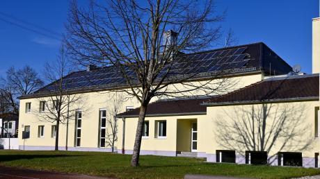Die Oswald-Merk-Halle in Leitershofen ist in die Jahre gekommen und muss saniert werden.