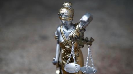 Ein Mann stand in Nördlingen wegen schwerer Körperveletztung vor Gericht.