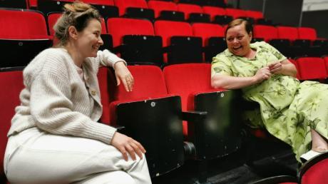 Für die Leitershofer Schauspielerin Marina Lötschert (im Gespräch mit Regisseurin Elsa Vortisch) ging ein lang gehegter Traum in Erfüllung.