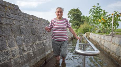 Ihr Rezept für den Sommer: Paula Ludwig kommt täglich zur Kneippanlage in Westendorf zum Wassertreten.