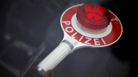 Einen betrunkenen Autofahrer zog die Polizei in Diedorf aus dem Verkehr