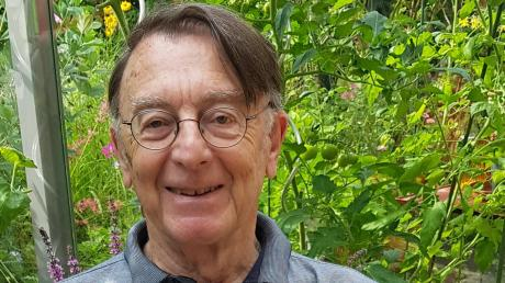 Am 22. August feiert Pfarrer Karl Freihalter seinen 80. Geburtstag. Er gestaltet gerne Schriftbilder.