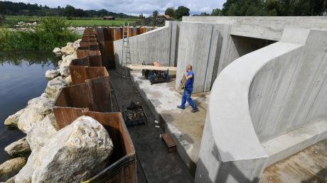 Der Hochwasserschutz gilt in der Gemeinde Westendorf als Dauerbrenner-Thema. Wie die Bauarbeiten vorangehen, zeigt unsere Zwischenbilanz..