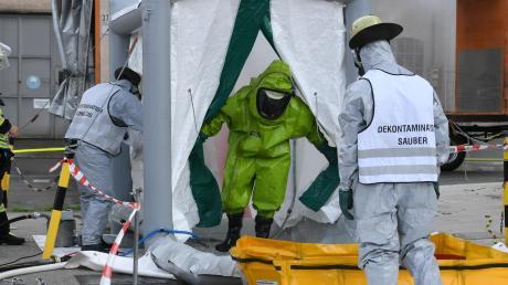 Im Industriepark Gersthofen trainiert die Werksfeuerwehr regelmäßig Einsätze nach Chemieunfällen.