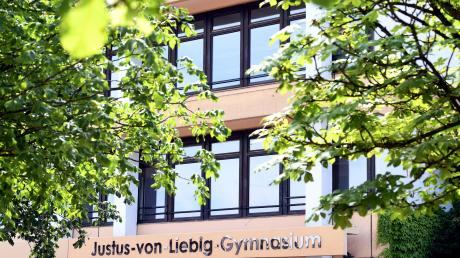 Was bewirken Luftfiltergeräte in Schulen? Im Gymnasium in Neusäß hat man schon Erfahrungen.
